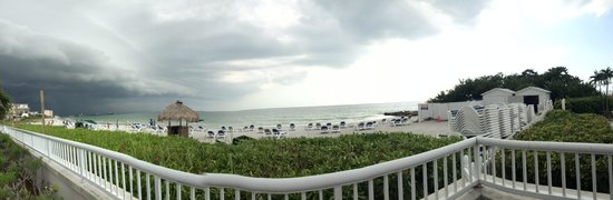 Lido Beach Resort: Pano of the beach as a storm rolls in