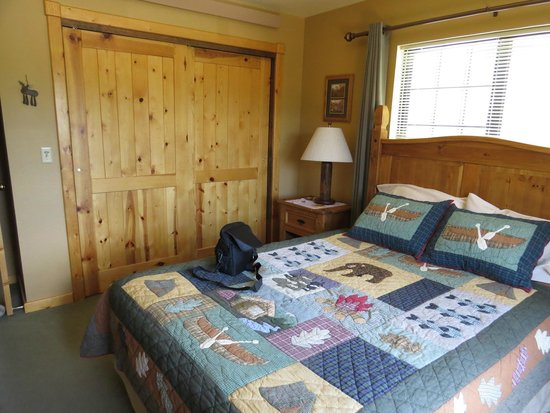 Teton View Bed & Breakfast: Bedroom in Baear Den Suite