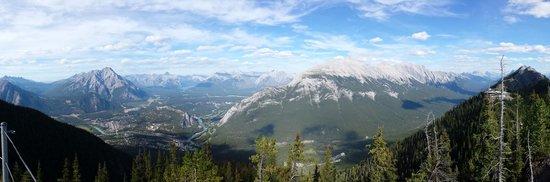 Banff Gondola: The city of Banff below
