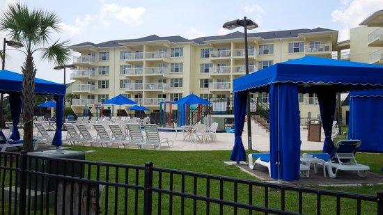 Litchfield Beach & Golf Resort: THE POOL