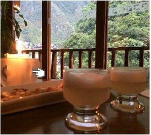SUMAQ Machu Picchu Hotel: Happy hour pisco sours