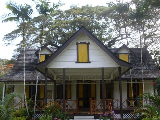 Trinidad and Tobago: historical house
