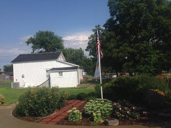 Laura Ingalls Wilder Memorial: Surveyors house.