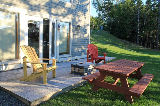 Pictou Lodge Beachfront Resort : outside two-bedroom chalet
