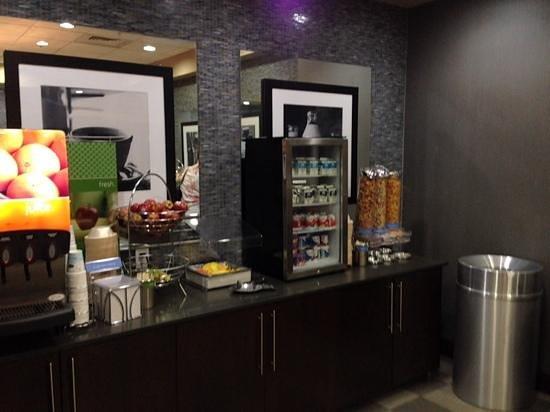Hampton Inn & Suites Columbia/Southeast-Ft. Jackson: Breakfast Area
