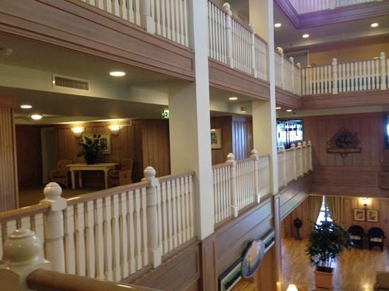 Disney's Vero Beach Resort: 2nd Floor balcony with north enterance to Green Cabin Room