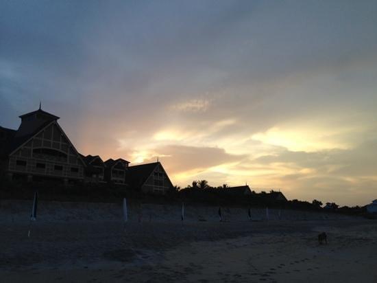 Disney's Vero Beach Resort: Sunset from the beach