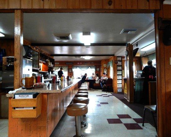 Beeline Cafe: Diner-like interior