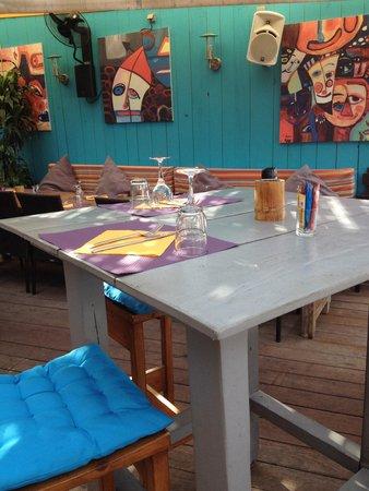 Bungalow Kafe: Ambiance plage