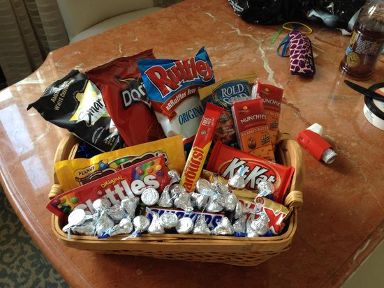Loews Portofino Bay Hotel At Universal Orlando: Gift Basket From  Housekeeping For Finding 2 Dirty