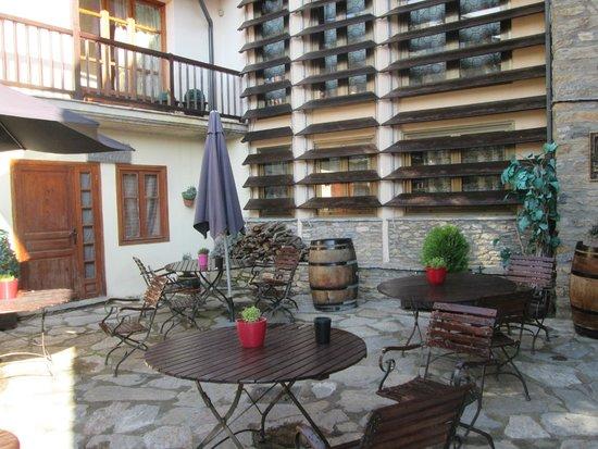 Hotel Restaurante Cal Teixido: Terraza del hotel