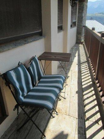 Hotel Restaurante Cal Teixido: Terraza de la habitaciones Xicoria y Pensament