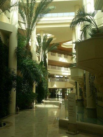 Hasdrubal Prestige Thalassa & Spa: questi i corridoi interni del Hotel