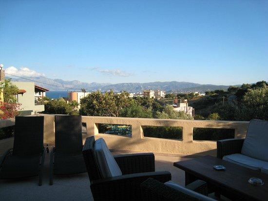 Villa Galini : Vue de la terrasse au petit déjeuner
