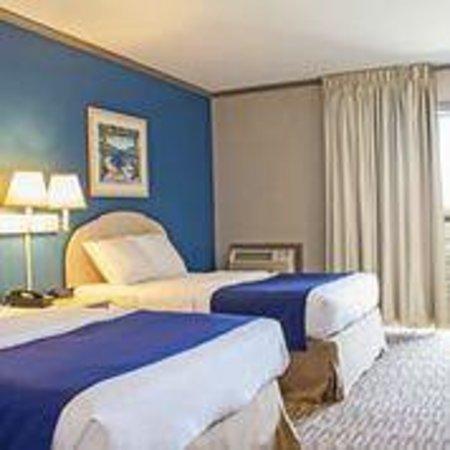 Sea Esta Motels III: Two Double Room facing Balcony