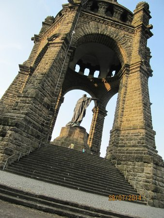 Kaiser-Wilhelm-Denkmal: the huge  monument