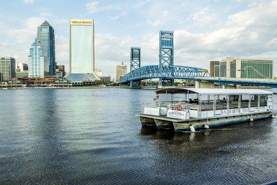 Hyatt Regency Jacksonville Riverfront: Water Taxis on the St. Johns River