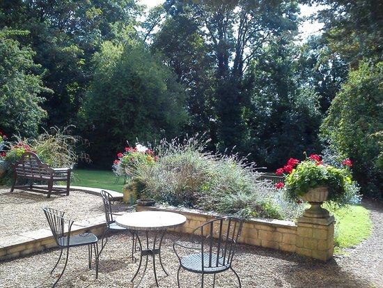 Bailbrook Lodge: the garden