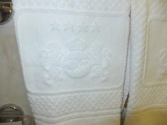 Windsor Hotel Milano: Полотенце с логотипом отеля