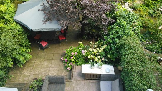 Prince Henry, Private Suites and Gardens: Another suite includes access to the garden/patio