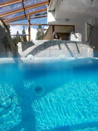 Carlo Magno: Una Nuotata in un posto incantevole