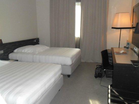 G Hotel: Camera