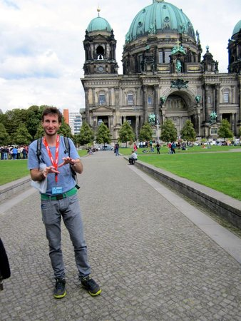 "Original Berlin Walks: Our guide Jonathan in front of the ""Berliner Dom"""