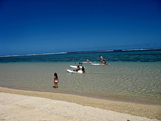 Outrigger Mauritius Beach Resort : Beach area