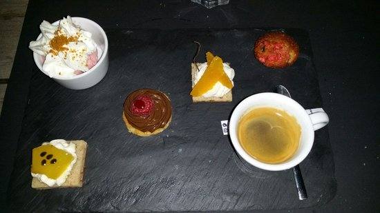 ‪‪Chez Ingall's‬: Café gourmand - excellent value‬