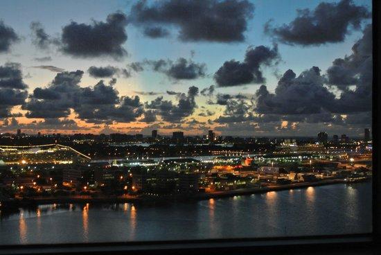 InterContinental Miami : Night view