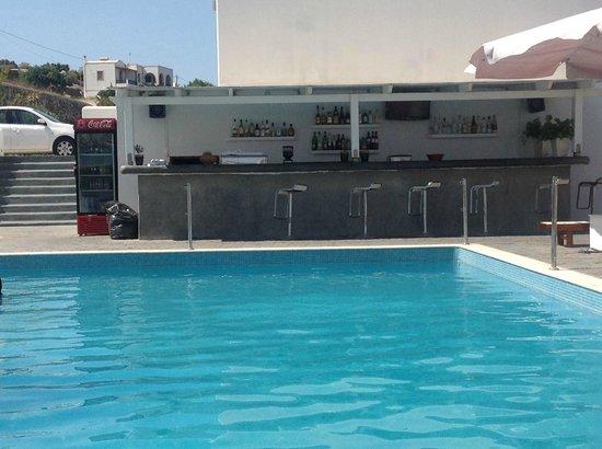 Splendour Resort: Bar de la piscina