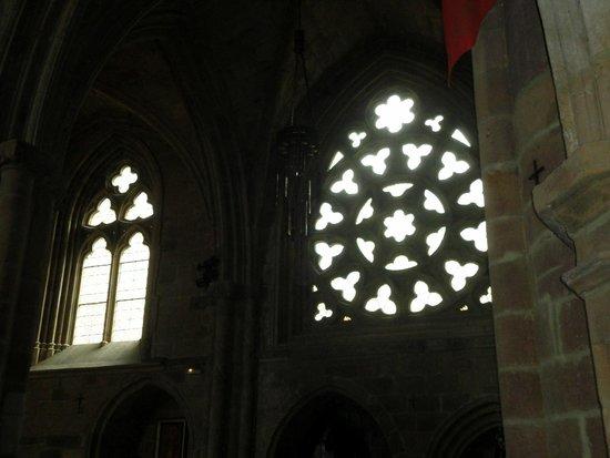 Iglesia de San Salvador: rosetones