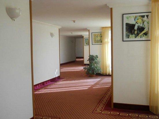 Hôtel Riviera Resort : CORRIDOIO