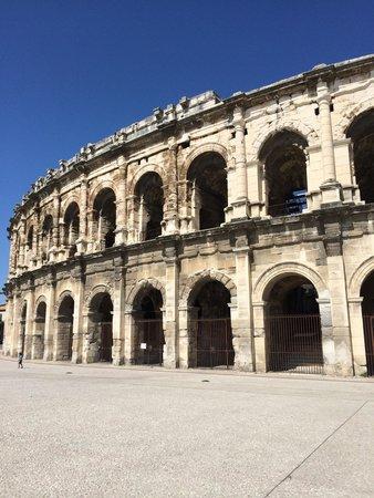 Arènes de Nîmes : Extérieur