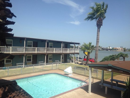 Surfside Inn Suites : We usually spend Thanksgiving here with lots of family. This time End-of-Summer mini vacation. N