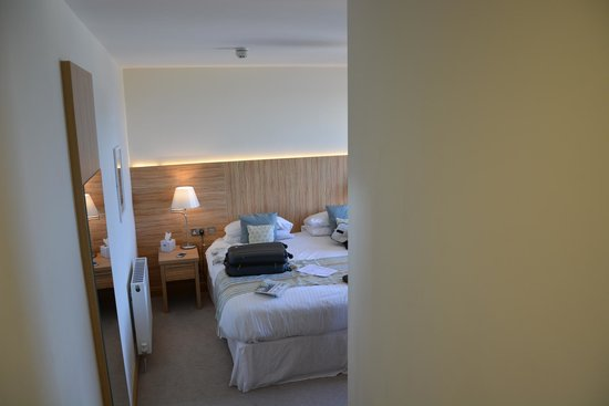Fistral Beach Hotel and Spa: quiet, restful and veryyyy comfortable.
