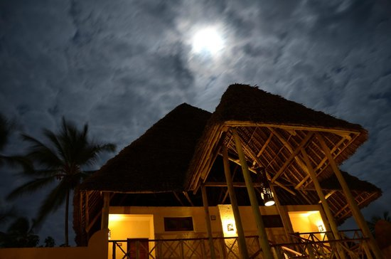 Neptune Pwani Beach Resort & Spa: by night