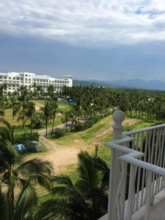 Hotel Riu Vallarta : The Sierra Madre from our side balcony (Room 3017)