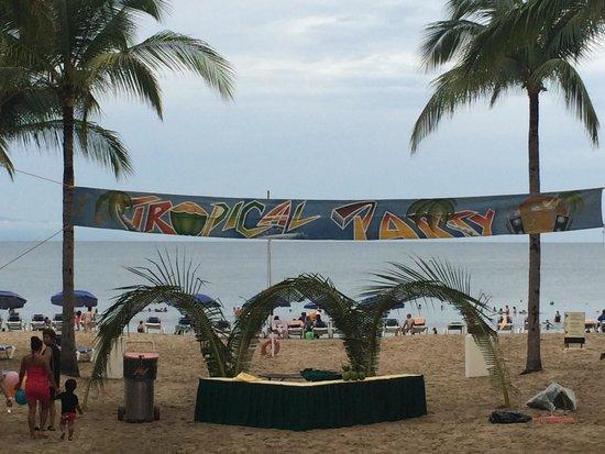 Hotel Riu Vallarta : The Mexican Beach Party