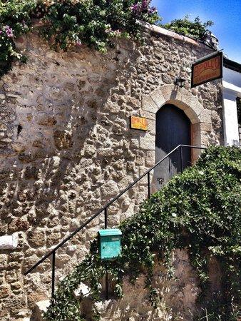 Apollo Guest House: l'ingresso