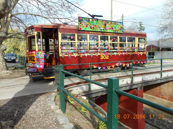Bendigo Tramways: The yarn bombed tram