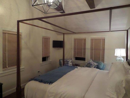 Hill Farm Inn: Hotel room