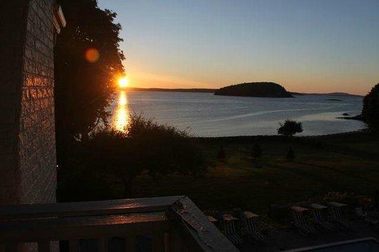 Balance Rock Inn: Sunrise from #308 balcony