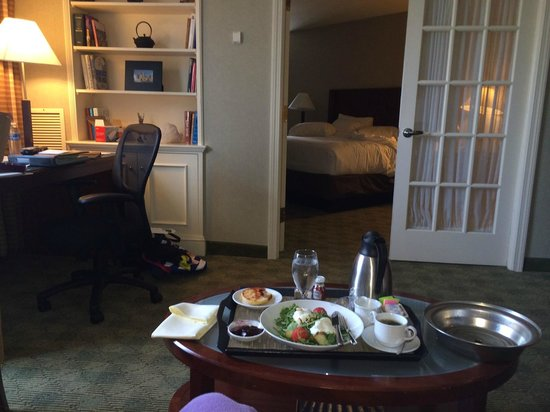 Hyatt Regency Boston : Room service!