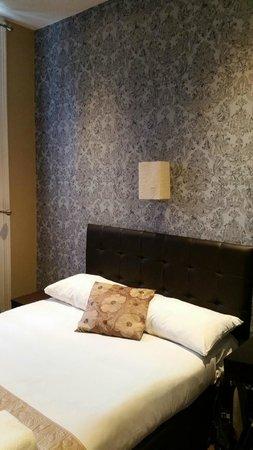 Somerset Hotel : Room 318