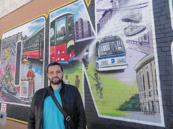 Vea NY Tours - Gerardo Giraldos : Mural en el Bronx