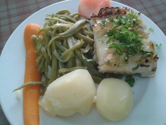 Restaurante A Muralha : Bacalhau assado com legumes