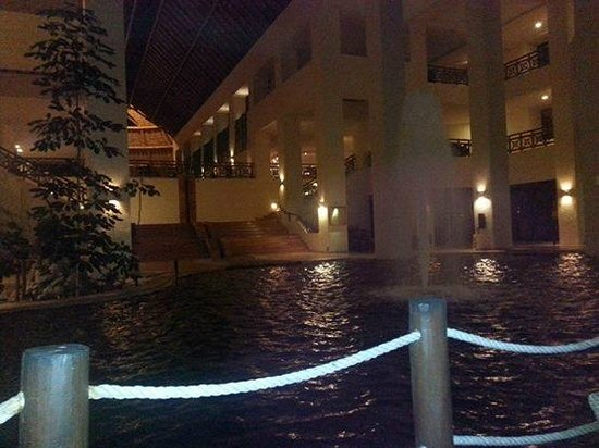Occidental Grand Xcaret All Inclusive Resort: lobby area