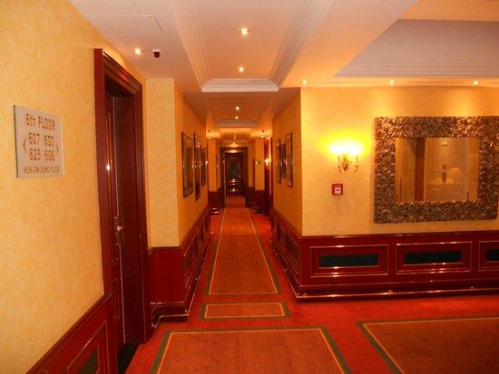 Art Nouveau Palace Hotel: pasillos