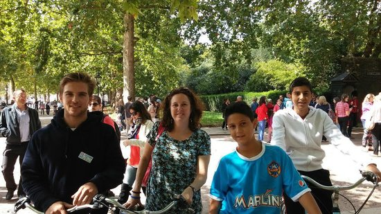 The London Bicycle Tour Company: Hugo, our fun and knowledgeable guide